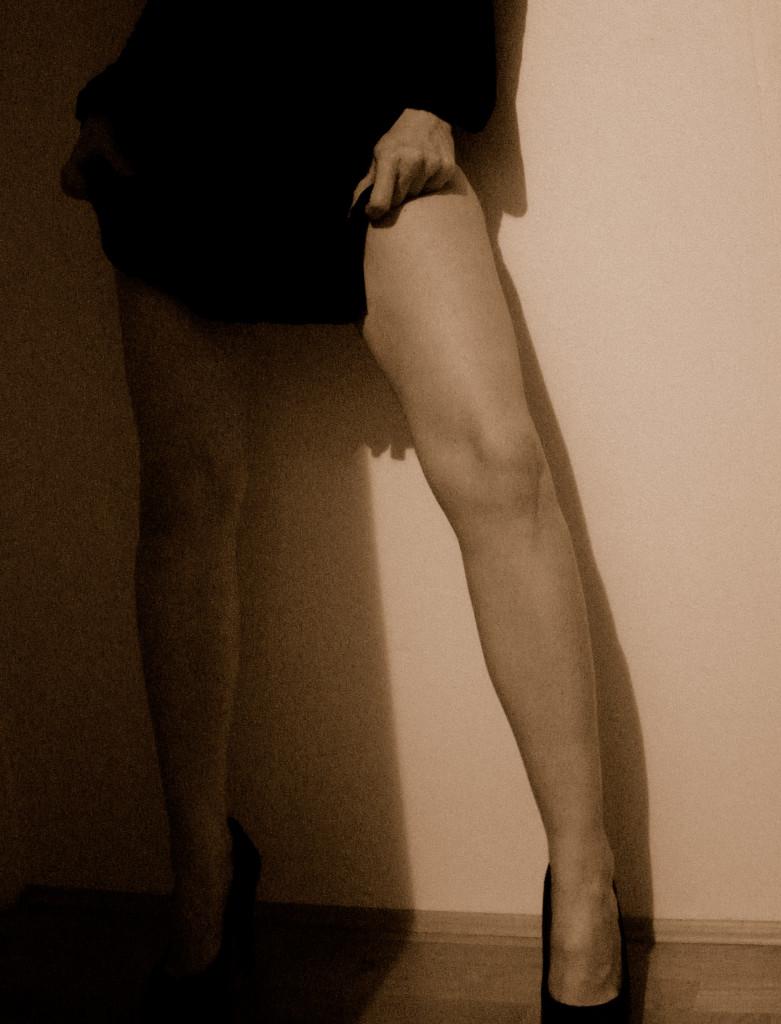 32_legs_wall_ii